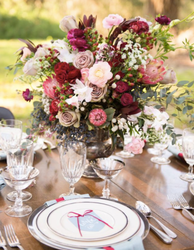 Color of the year desigMarsala Color weddingn tips marsala pantone interior wedding