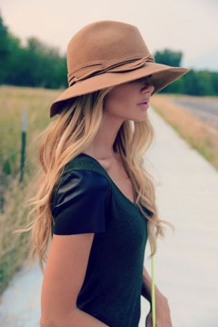 Camel Color Wool Hat With Bow